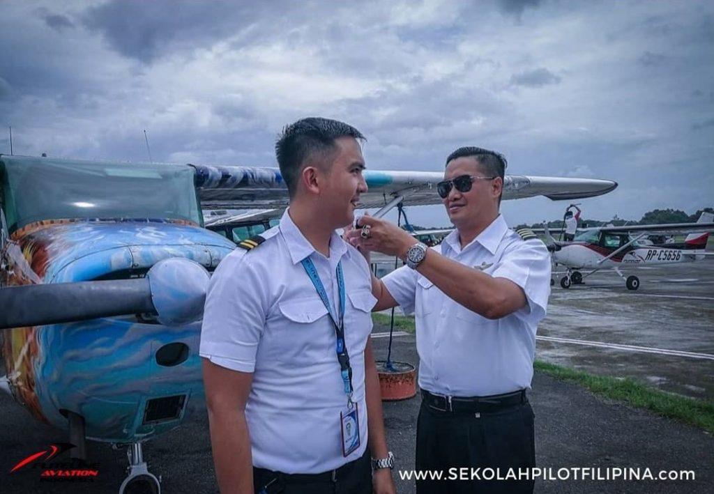 Siswa sekolah pilot Fliteline Aviation Indonesia