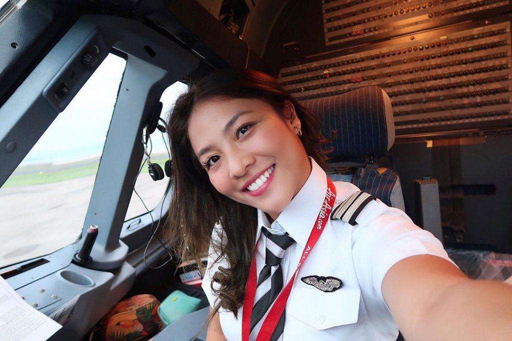 pilot perempuan