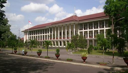 Fakultas di salah satu perguruan tinggi di Indonesia